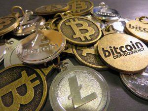Bitcoin Litecoin Keychains (Image: Flickr/BTC Keychain)
